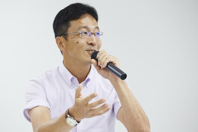 川島高之さんは、NPO法人ファザーリング・ジャパン理事、NPO法人コヂカラ・ニッポン代表でもある。小中学校のPTA会長のほか少年野球のコーチも務めてきた。