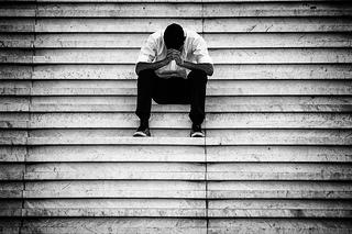 仕事の引き継ぎに不満を感じる若手ビジネスパーソンは7割
