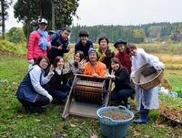 「社員旅行」以上、「社員研修」未満の農作業キャンプをしたら、参加者が勝手にチームワークを発揮してくれた話