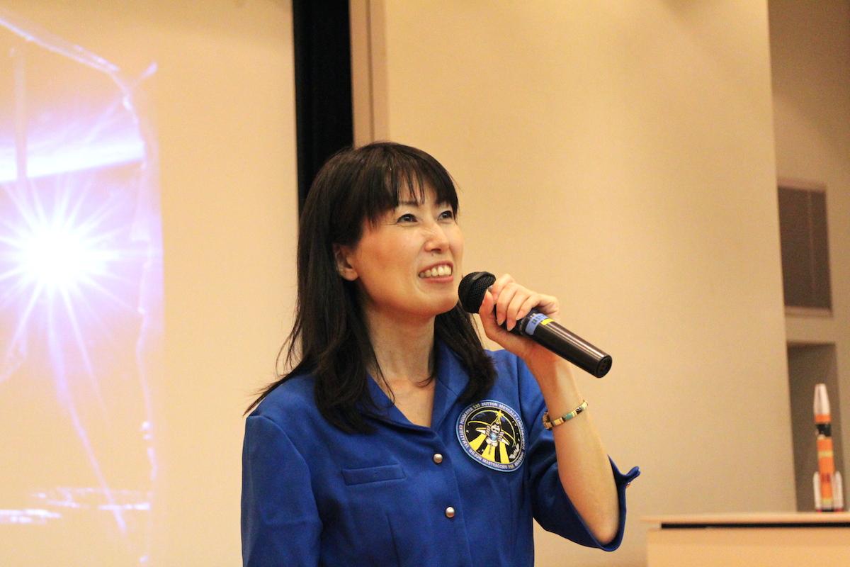 宇宙が職場のワーキングマザー、山崎直子さんはどう宇宙飛行士となり子育てしてきたか?