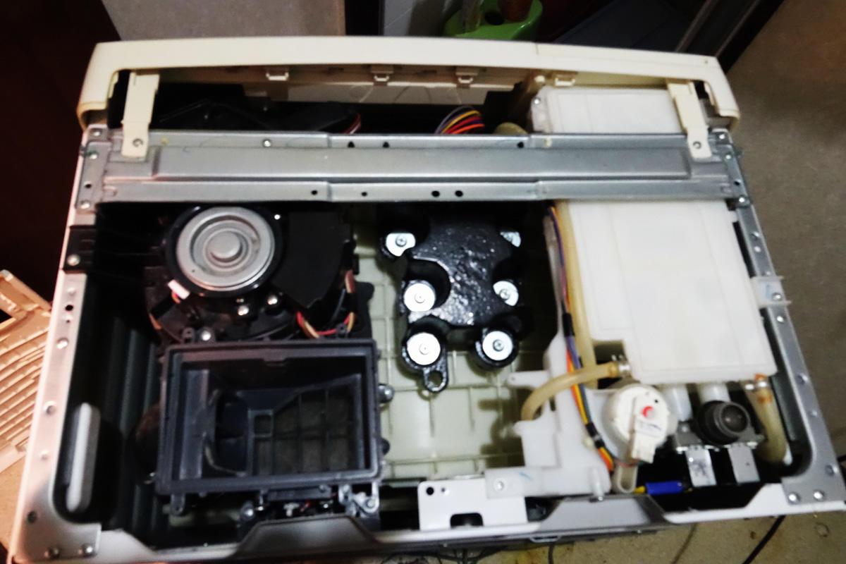 洗濯機を分解して掃除する──コデラ総研 家庭部(66)